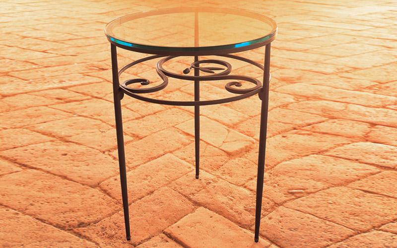 Comodini In Ferro Battuto ~ Idee Creative su Design Per La Casa e ...