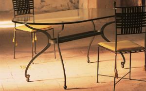 tavolo contemporaneo ferro