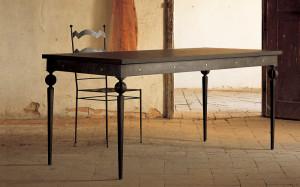 tavolo ferro battuto e legno